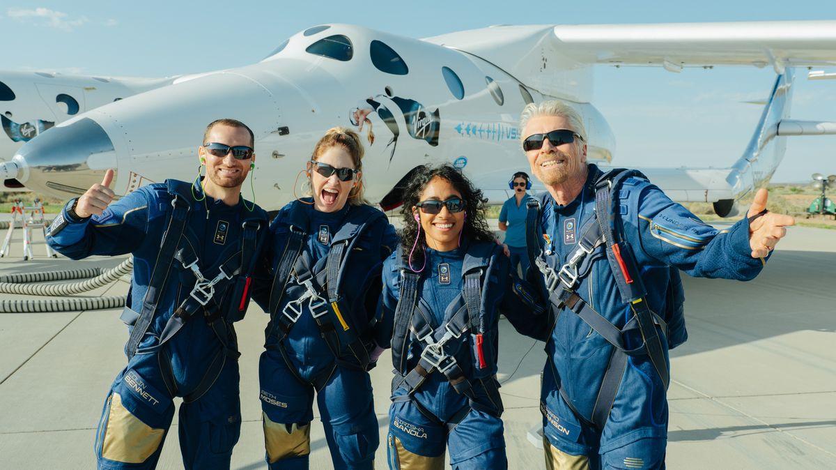 Virgin Galactic dostala stopku, Bransonův let vyvolává otázky