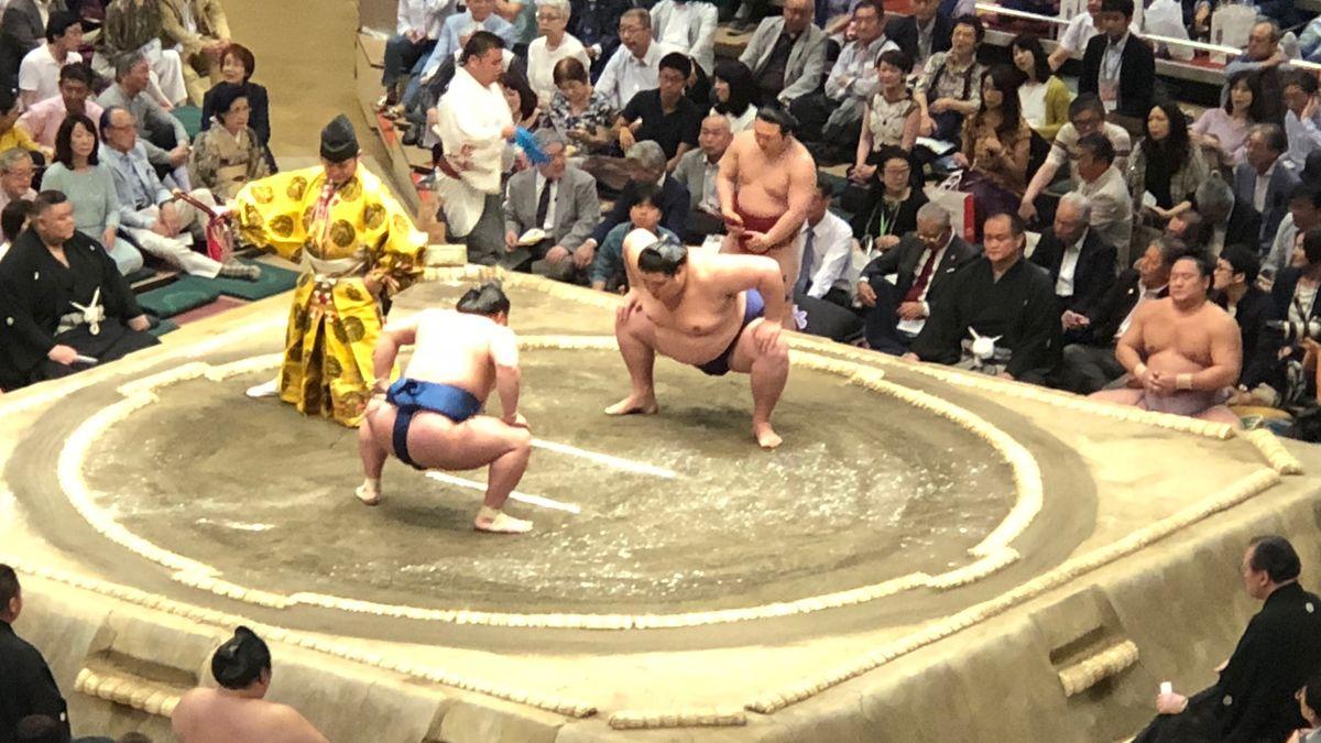 Zápasy sumo nahradil box. Podívejte se, jak se aréna kvůli olympiádě změnila