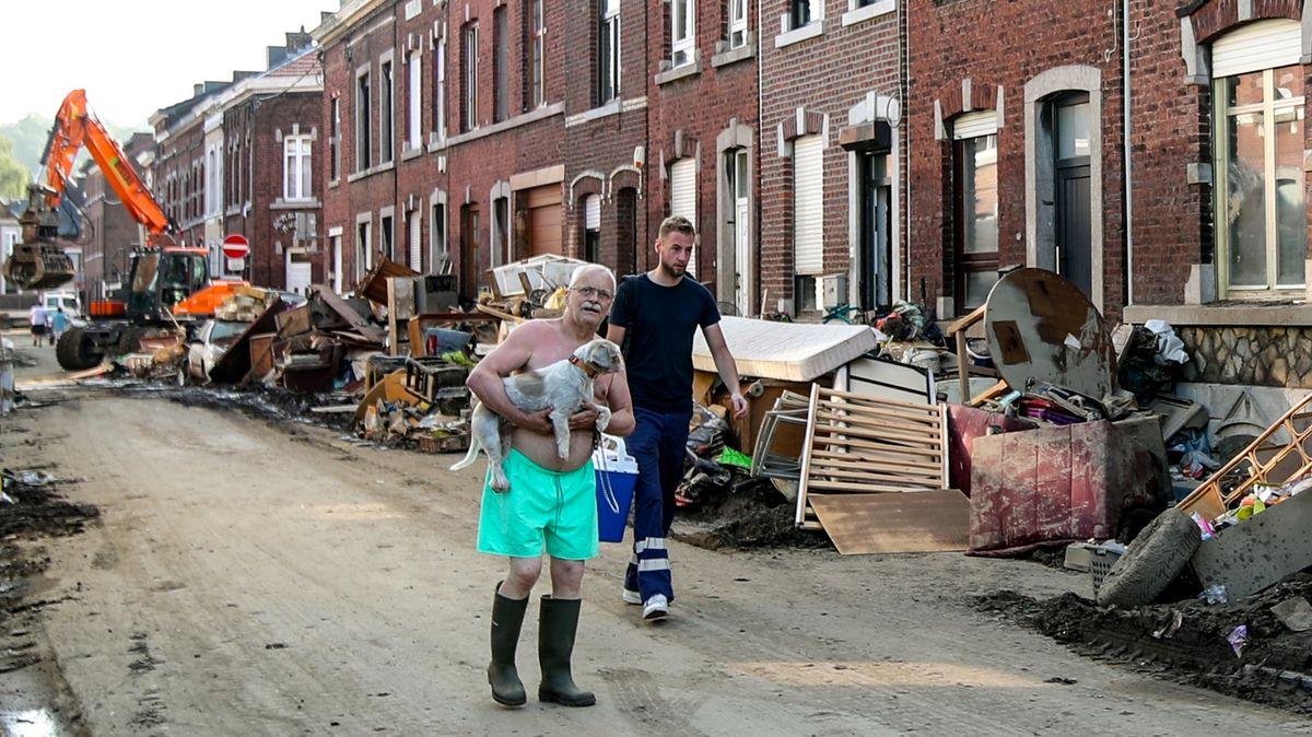 Tragické povodně mají dohru. Belgie začala hledat viníka neštěstí