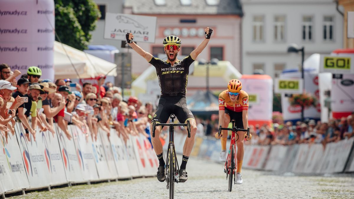 Sazka přesedlala na kola. Do cyklistických závodů vloží miliony korun