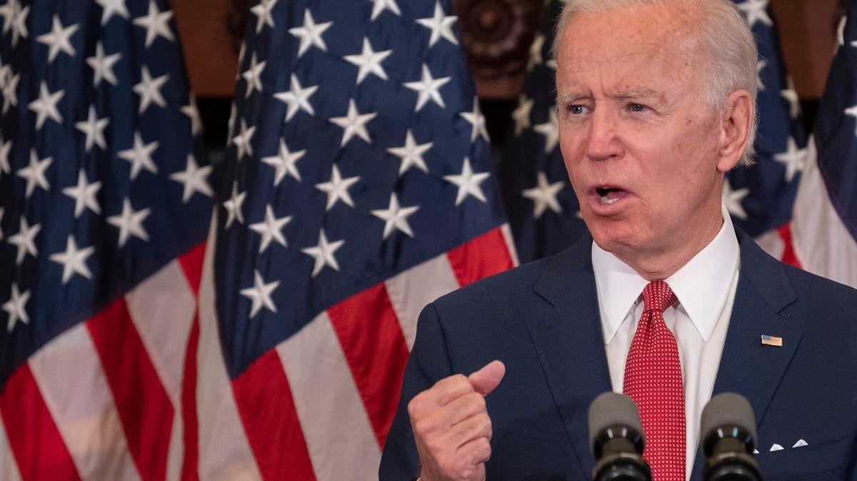 Biden a Trump vyhráli prezidentské primárky vsedmi státech