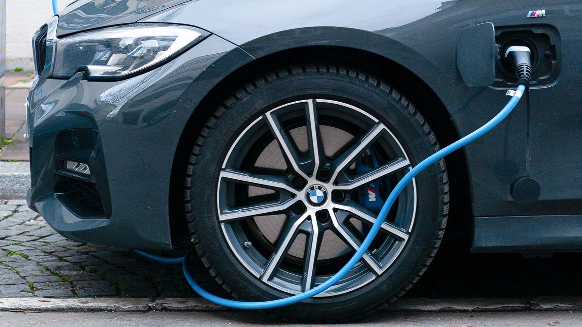 Česko velektromobilitě zaostává, vpočtu dobíječek je na chvostu EU
