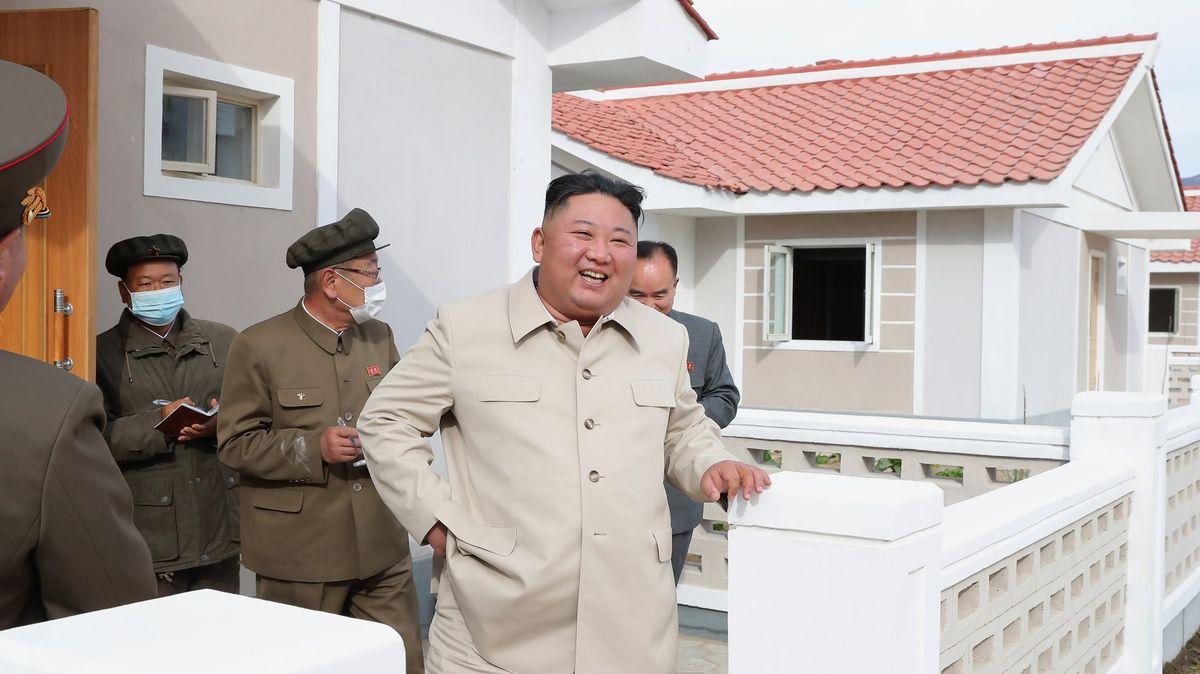 Očkovaný, či neočkovaný? Kim Čong-un možná použil čínskou vakcínu