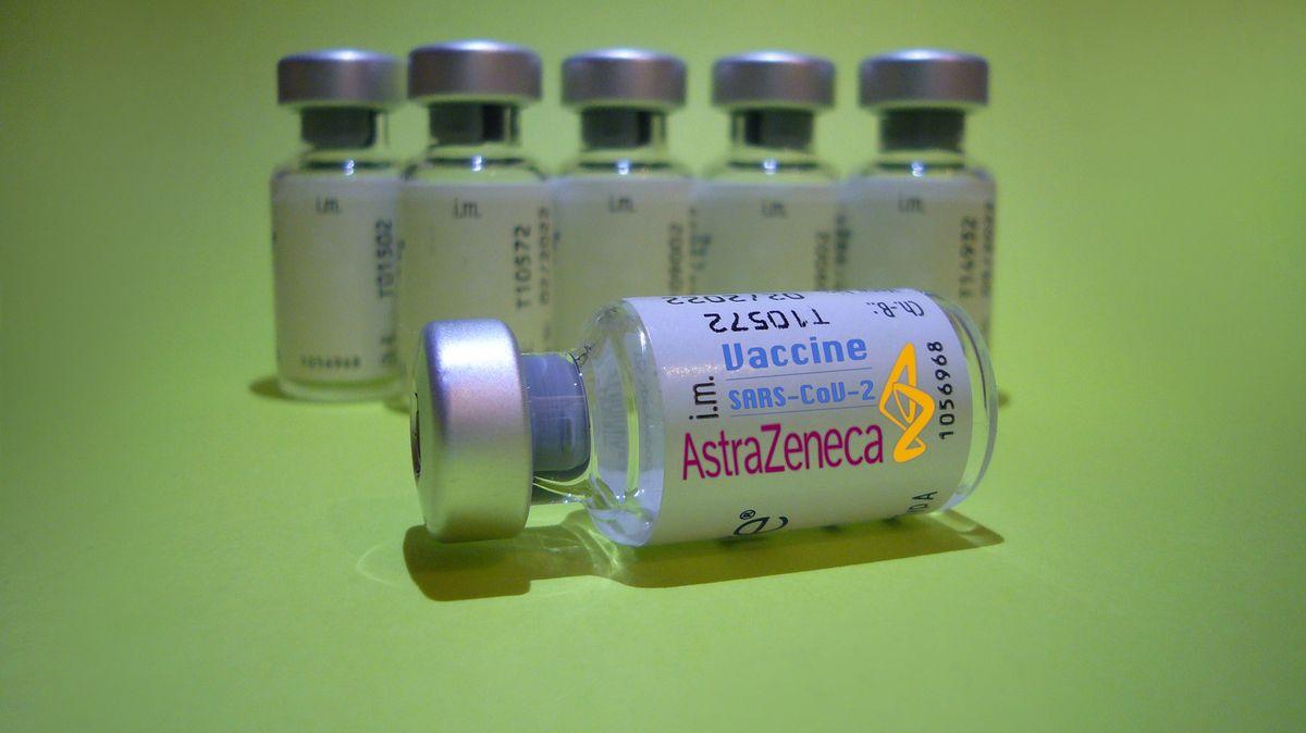 AstraZeneca znovu otestuje vakcínu, uváděnou účinnost mohla zvýšit chyba