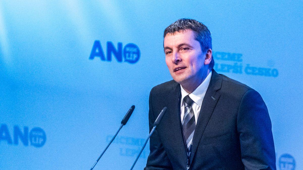 Zkrachovalý finanční žralok se vrátil pro podíl vpřední české realitní kanceláři