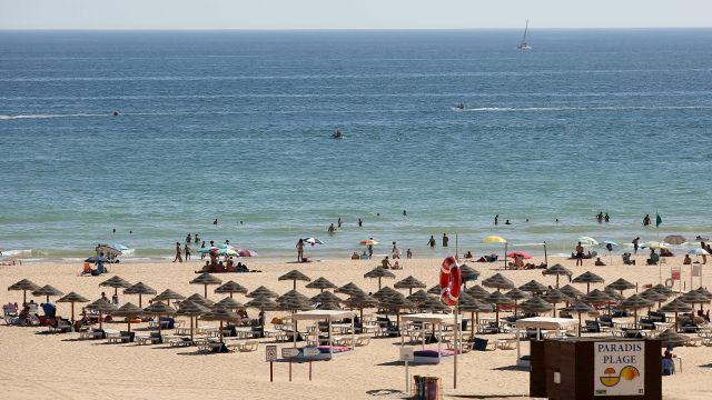 Portugalsko otevírá náruč turistům zEU, Česko podmínky splňuje
