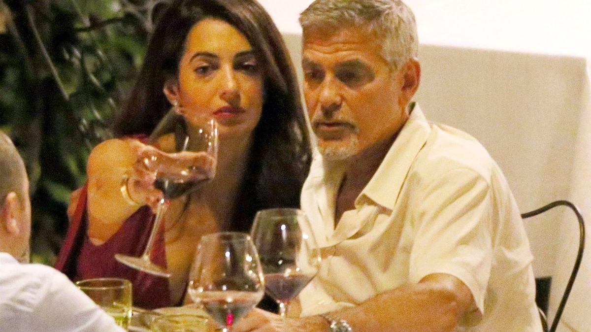 Jak koupil Clooney vinařství a proč Hollywood zvyšuje ceny francouzského rosé
