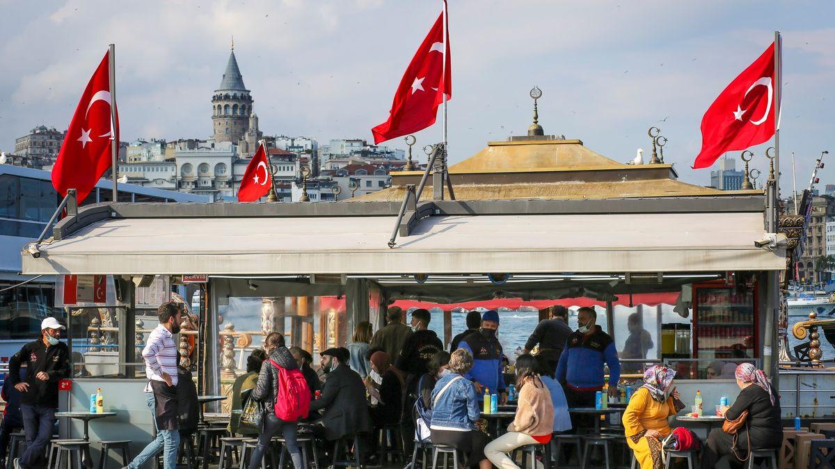 Turecko ode dneška ruší téměř všechna zbylá covidová omezení