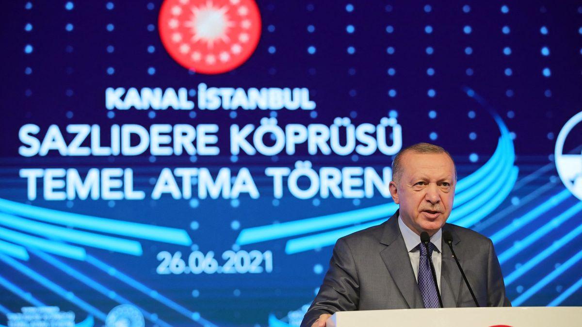 Erdogan odstartoval mamutí stavbu kanálu Istanbul, experti jsou proti