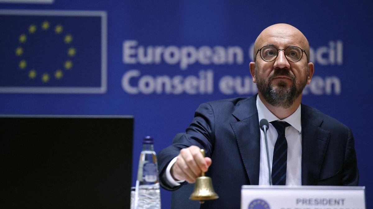 Jednání lídrů EU: Ve hře je schůzka sPutinem a další políček Budapešti