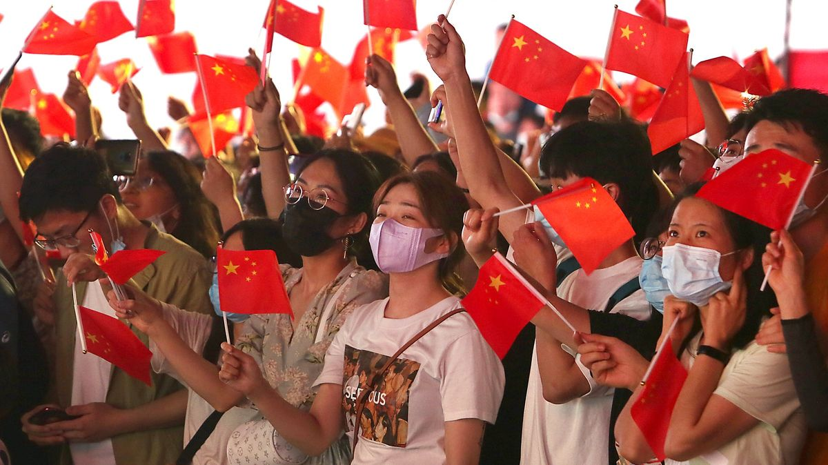 Úspěchy,mýty imiliony mrtvých. Čínští komunisté slaví 100let