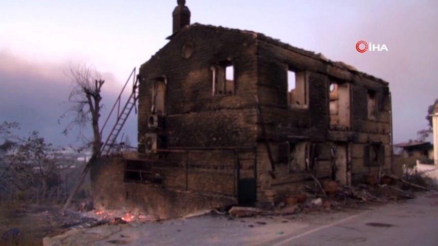 Video: Tureckou Antalyi trápí požáry, situaci zhoršuje silný vítr a sucho