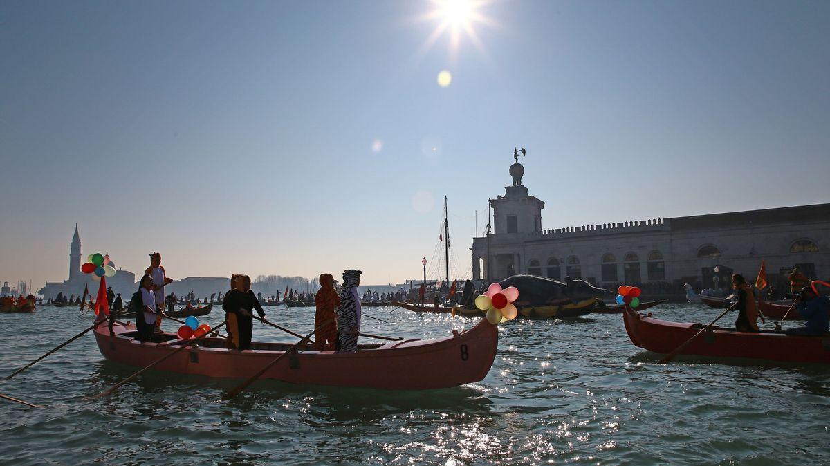První zkoušku Benátky ustály. Výstraha ohrožené památky ale zůstává