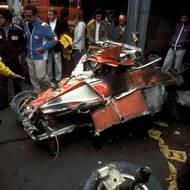 čtk: Niki Lauda / Tohle zbylo z Ferrari Nikiho Laudy po vážné nehodě, při níž jen zázrakem nezahynul. Fotografie z 1. 8. 1976.