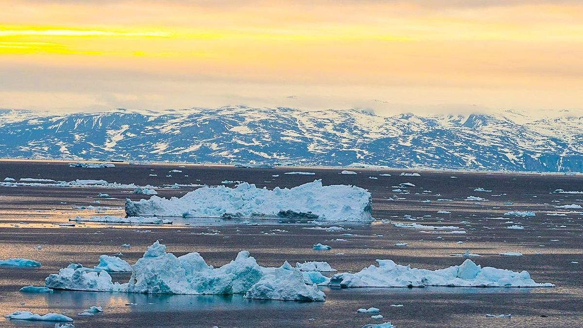 Za jediný den roztála většina východního pobřeží Grónska