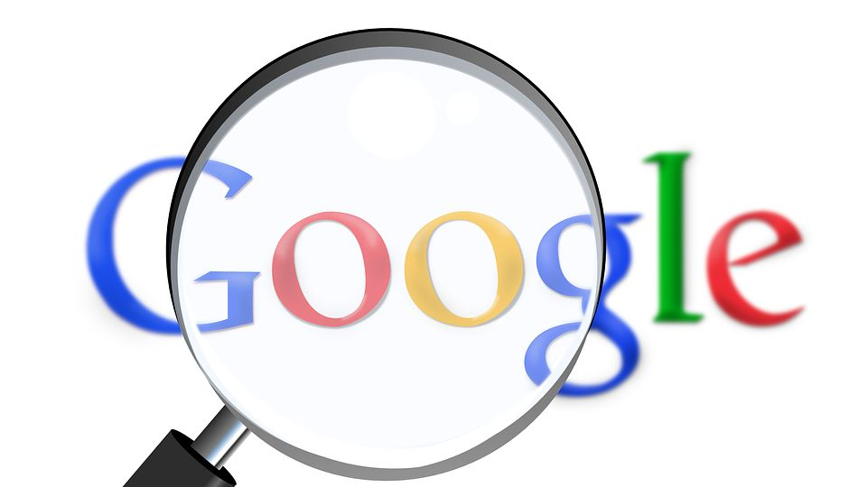 Někdo se dívá. Google čelí žalobě za sledování polohy uživatelů