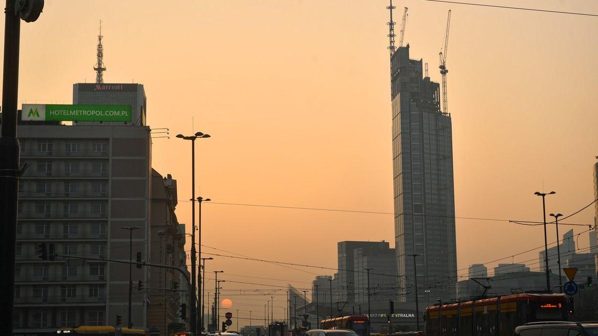 Nejvyšší mrakodrap vEU je ve Varšavě. Překonal iStalinův dar