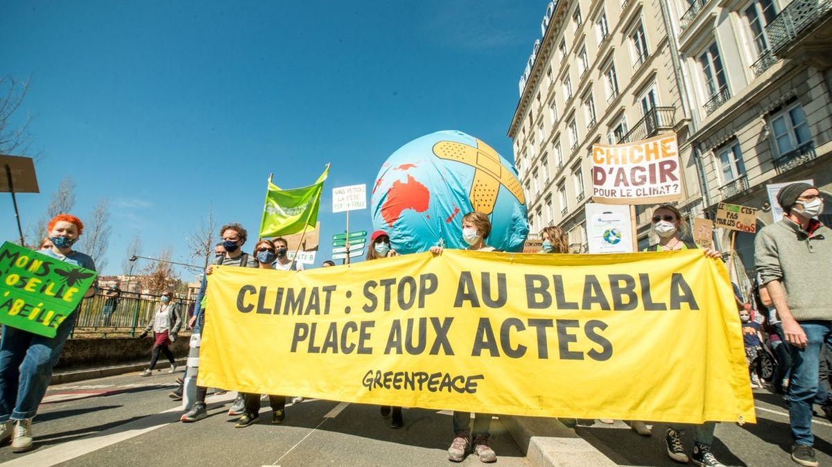 Projde-li klimatický zákon, zPaříže do Lyonu už letět nepůjde