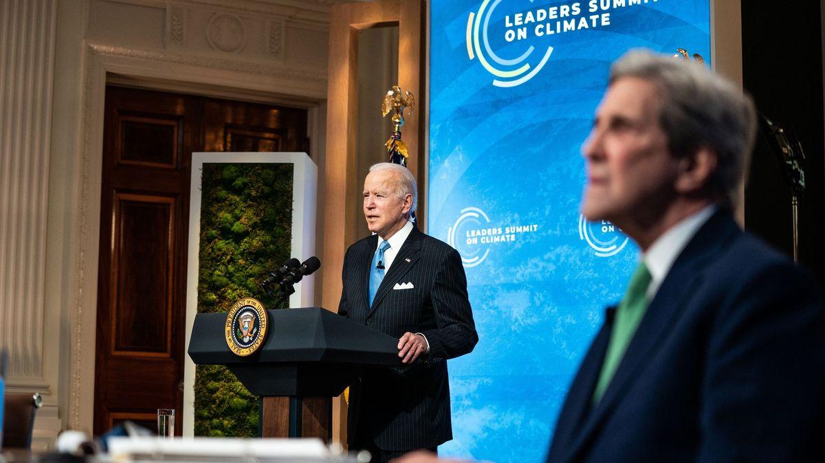 Skoro nemožná mise: USA chtějí zelenat a přitom hrozí Číně sankcemi