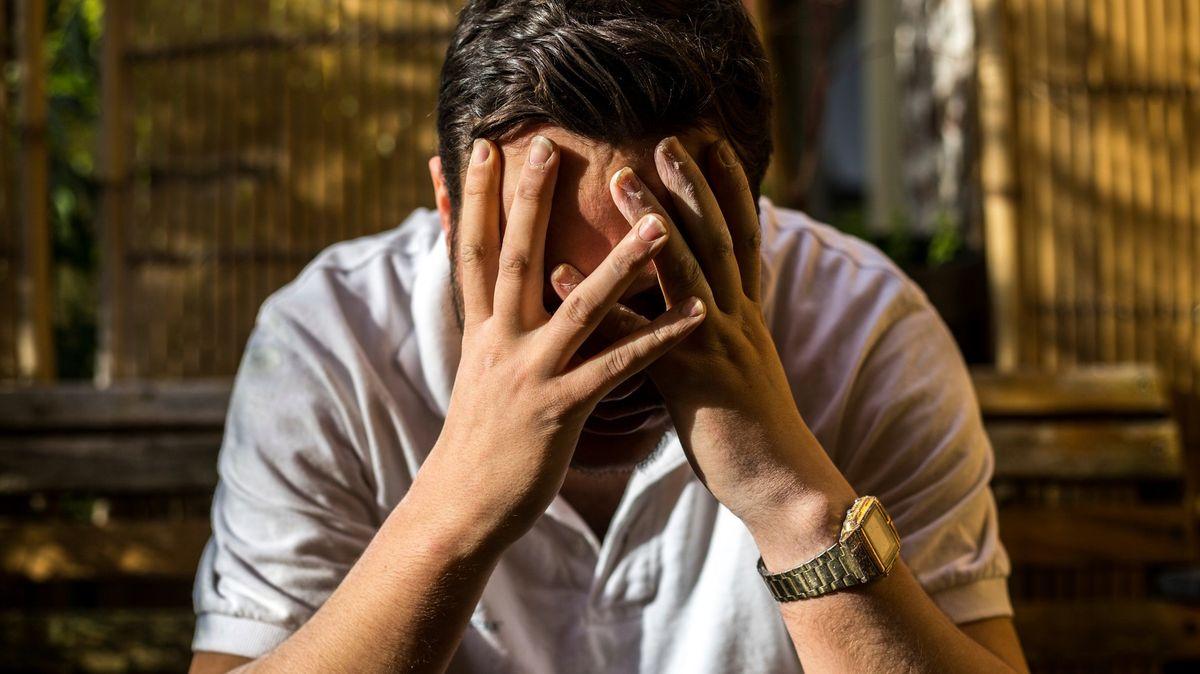 """""""Nespal jsem 40hodin."""" Lidé po covidu mají psychické ineurologické potíže"""