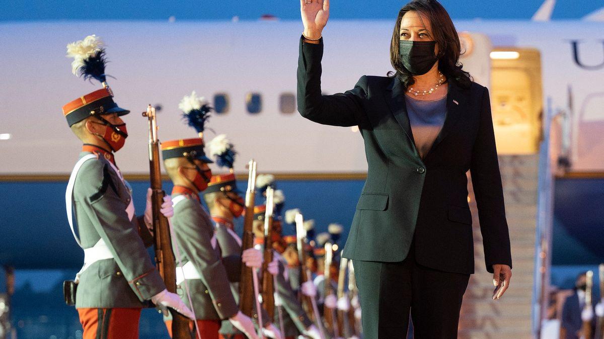 Rekordní imigrace do USA ikorupce. Harrisová hasí požár ve Střední Americe
