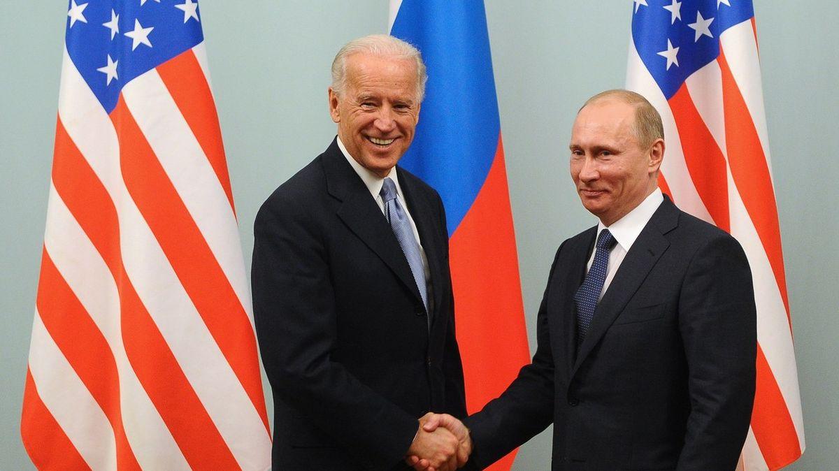 Politico: Vybrat místo pro potenciální summit Bidena sPutinem je složitý úkol