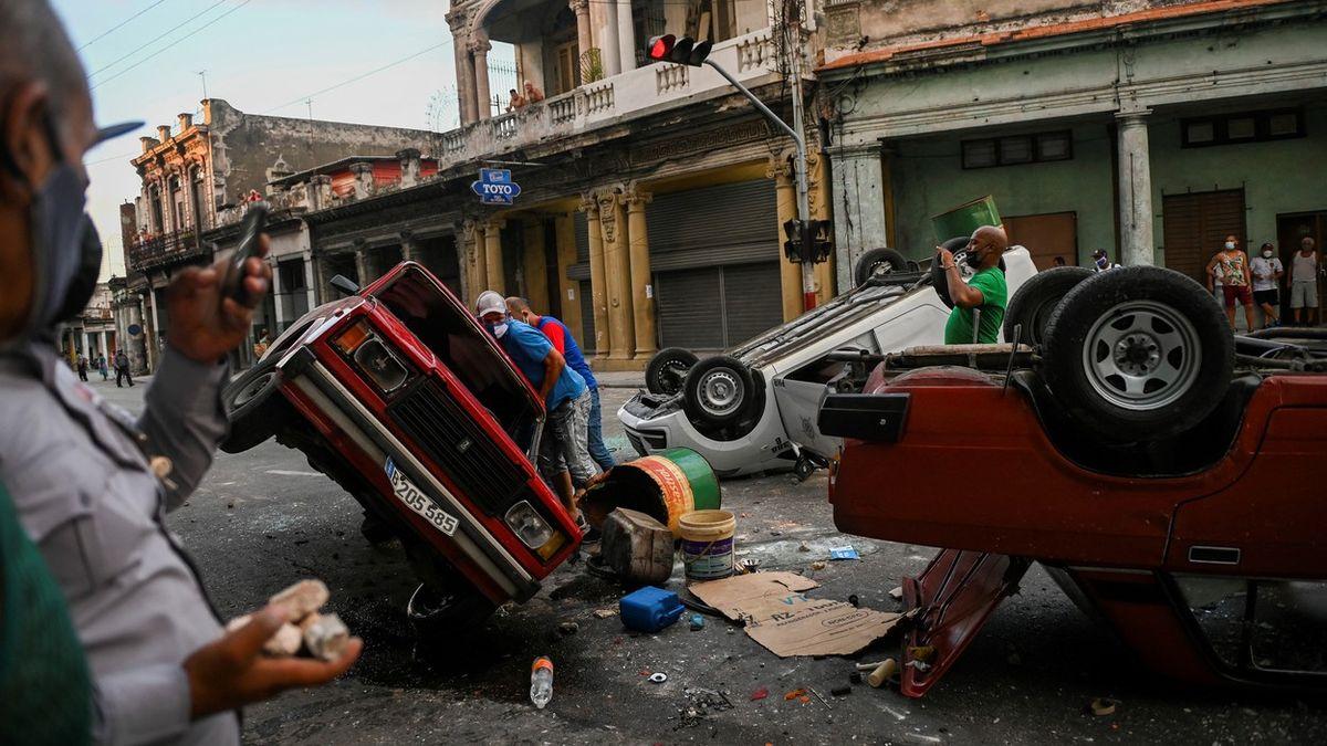 Fotky: Takový odpor Kuba tři dekády neviděla. Lidé už toho mají dost