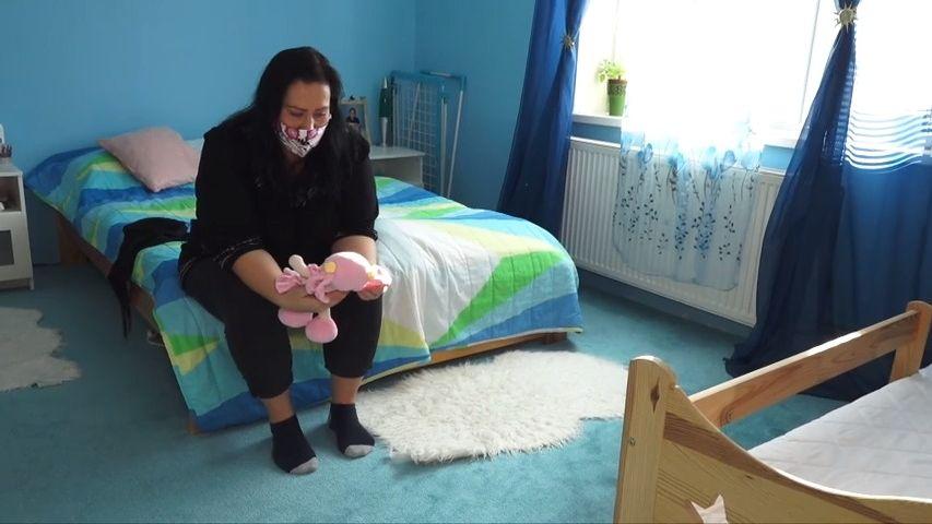 Pandemie jí snížila šance vysoudit dcerku. Dva roky ji vídá jen přes telefon
